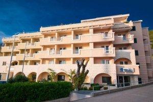Hotel WGRAND 3* - Počitnice v Črni Gori
