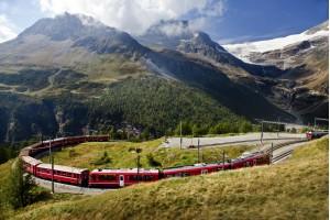 BERNINA EXPRESS IN PARK VAL CAMONICA Švica