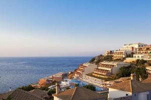 Apostolata Island Resort & Spa 5*, Skala