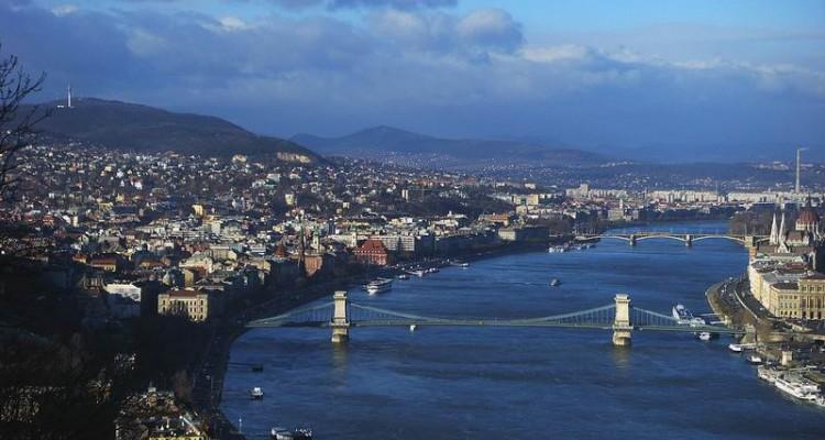 BUDIMPEŠTA, KOLENO DONAVE IN EGER Madžarska